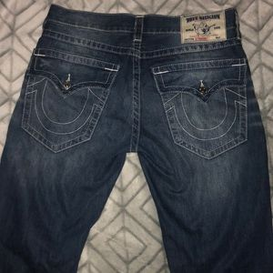 📌Distressed True Religion Jeans